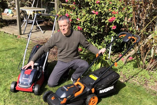 Best Cordless Mulching Lawn Mowers - A Helpful Buyers Guide And Reviews