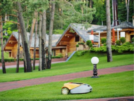 Robotic Mowers Are Environmentally Friendly