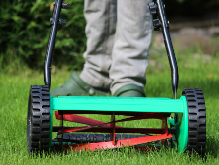 What Are The Benefits Of A Push Reel Mower